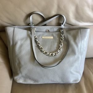 Authentic Micheal Kors Purse!!